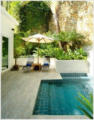 24 – Área de lazer com piscina em alvenaria em níveis