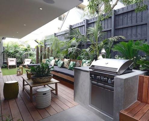 quintal a churrasqueira é a bafo e elétrica.